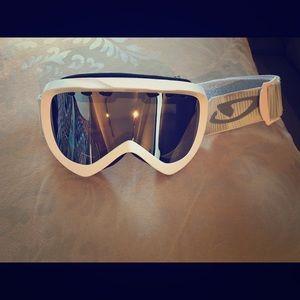 Giro White Mirrored Ski Snowboard Goggles